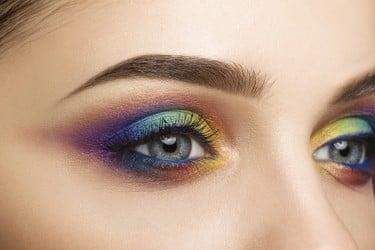 Kleur Veel Kleur : Tips voor werken met gekleurde eyeliner wellness academie
