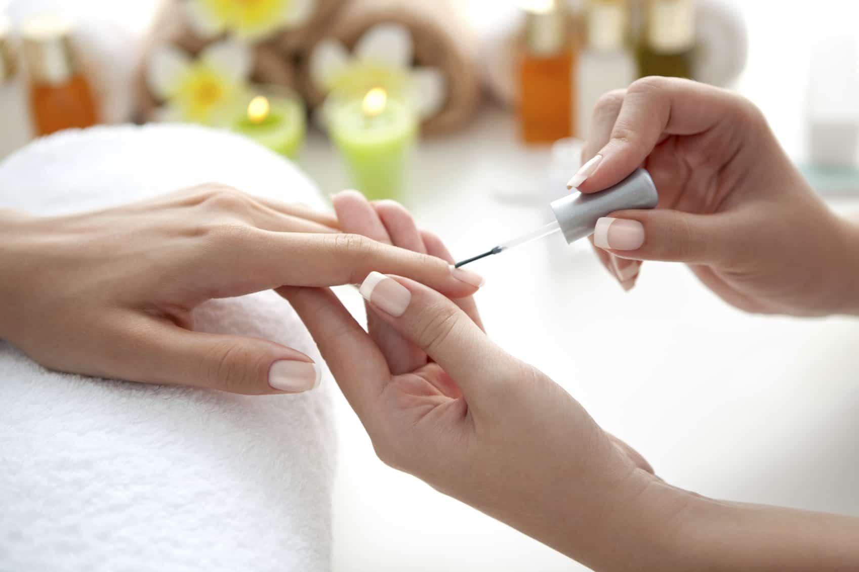 Voor- en nadelen van Dip Powder nagels - Wellness Academie