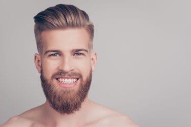 jonge man met verzorgde baard