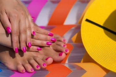 mooi verzorgde nagels on de zomer