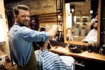 Kapper onderscheidt zich als barbier.