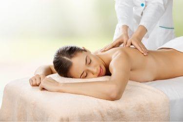 Manuele lymfedrainage bestaat uit zachte, milde massagetechnieken