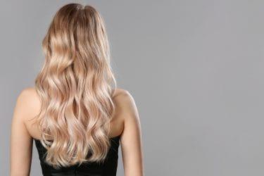 Leer lange en volle kapsels maken in de cursus hair weaving