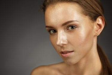 Hoe krijg je een dolphin skin met make-up?