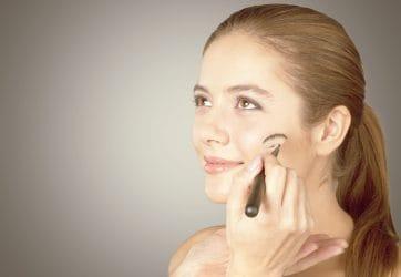 huid met oneffenheden camoufleren met make-up